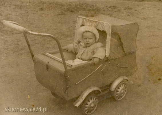 Wiesława Maciejak z d. Grabowska ur. 1942r. mam na zdjęciu około 1 roku